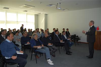 KEMA Yüksek Güç Test Laboratuvarı'ndan Mr. Verhoven ve Pr . Dr Mr. Rene Smeets'in konuşmacı olduğu seminer 22 Mart Çarşamba günü Fabrikamızda gerçekleştirildi.